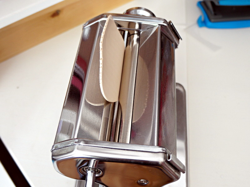 La machine à pâte permettant d'aplatir la fimo