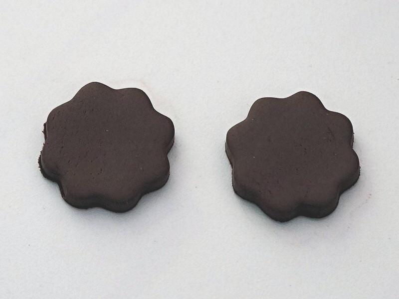 Création des 2 biscuits sandwich en Fimo marron
